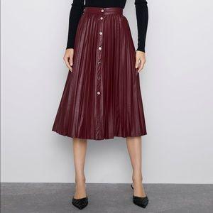 🆕 Faux Leather Pleated Midi Skirt